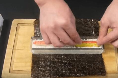 WeeDee Kit para Hacer Sushi de Bamb/ú 9 Piezas 2 x Esterillas 1 x Paleta de Arroz 1 x Esparcidor de Arroz 5 Pares de Palillos
